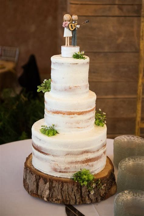 The Rustic Barn Wedding You Need To See - Rustic Wedding Chic
