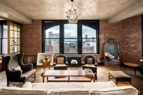 Kirsten Dunst Is Selling Her Manhattan Penthouse Apartment