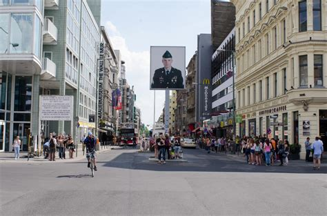 Checkpoint Charlie and the Berlin Wall