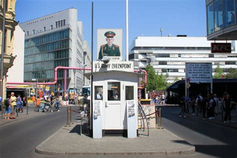 Checkpoint Charlie: Mauer in Berlin