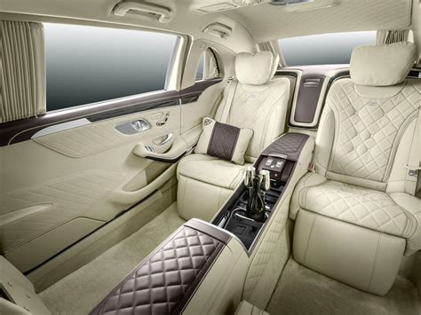 Mercedes-Maybach Pullman Unveiled With Massive Wheelbase
