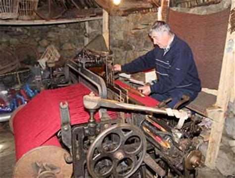 History of Cloth-Making and Waulking in Scotland | Harris