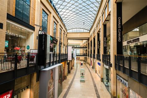 How high streets and shopping malls face a 'domino effect