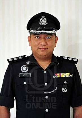 What kind Malaysian police officer did after getting