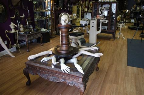 ARCHIVES: People (and their boutiques) are strange - The